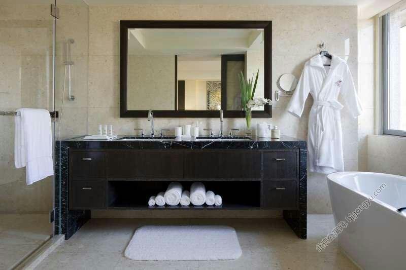 紫檀万豪行政公寓卫浴室