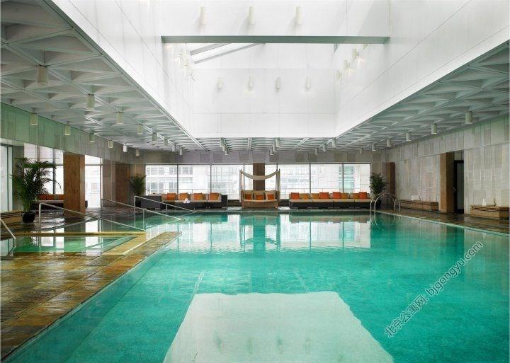 金融街行政公寓游泳池