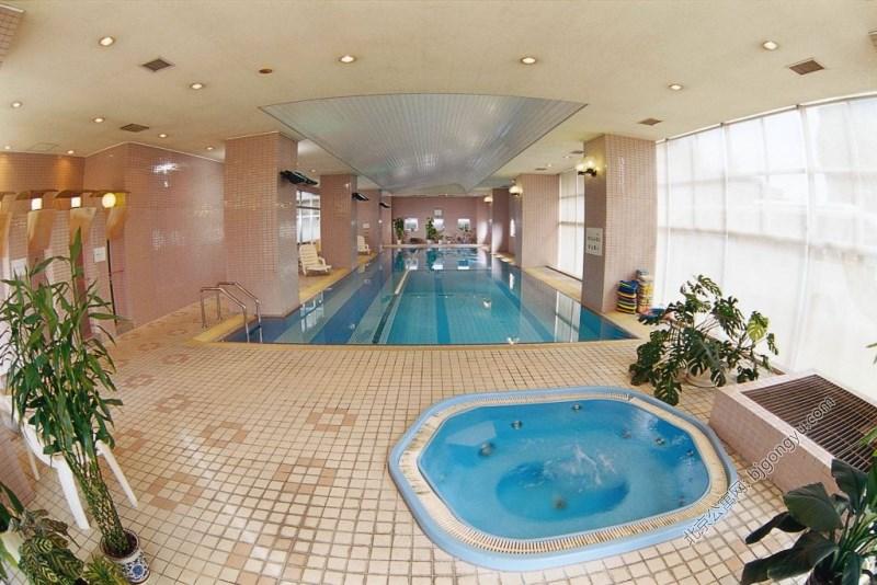 酒仙公寓游泳池