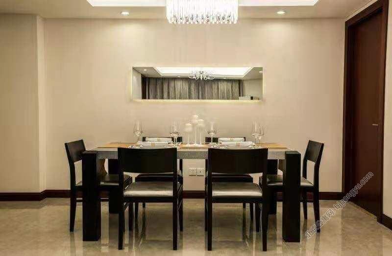 北京光耀公寓餐桌